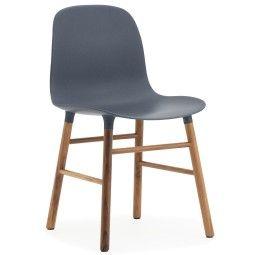Normann Copenhagen Showroommodel - Form Chair stoel met walnoten onderstel, blauw